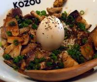 肉肉しさを求める人は必食!!〔豚骨まぜそば KOZOU+/まぜそば/JR新福島〕 - 食マニア Yの書斎