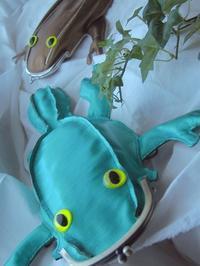 レオパな爬虫類メタリックグリーンの新作 - 布と木と革FHMO-DESIGNS(エフエッチエムオーデザインズ)Favorite Hand Made Original Designs