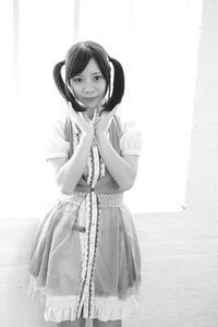 中村芽留萌ちゃん45 - モノクロポートレート写真館