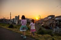 ★娘2人と散歩の夕方 - 一写入魂
