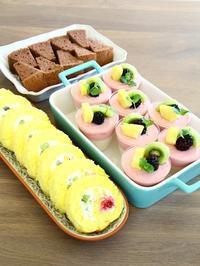 フルーツロールケーキはちみつのブラマンジェ&イチゴのムース - ころころまるしぇ
