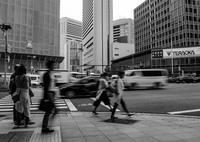 1秒間の写真の世界(その9:御堂筋の光跡) - 写真の散歩道
