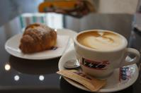 フィレンツェにて、朝のバールでワンコに癒される - フィレンツェ田舎生活便り2