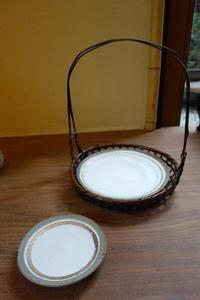 手付き籠にお皿 - g's style day by day ー京都嵐山から、季節を楽しむ日々をお届けしますー