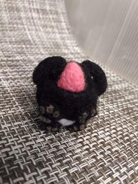 黒ペキニーズの「ぺぺ」 - 羊毛フェルト男(羊毛フェルトマン)