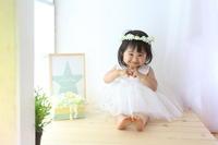 2歳のお誕生日の花かんむりと花のケーキ 元ひらまつの花嫁様より - 一会 ウエディングの花