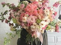 花時間さんカレンダー撮影用に - 一会 ウエディングの花