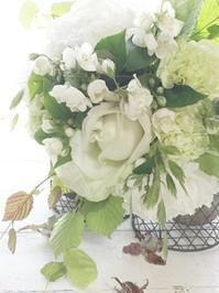 アイロニー花体験レッスンでした - お花に囲まれて