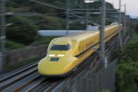 沈黙、ズーム流し② - 新幹線の写真