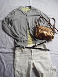 イエローグリーンのTシャツにホワイトデニム - めいの日々是好日