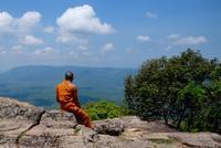 断崖に立つ世界遺産プレアヴィヒア - 空想地球旅行
