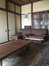 和室に100年ソファとリビングテーブル。 高岡市O様 - CLIA クリア家具合同会社