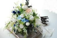 新作クラッチブーケ!初夏の色合いブルーのお花を入れて - momo★スタイル
