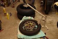 【DB7】フロントタイヤ交換&ブレーキキャリパー清掃 - だいちゃんガレージ