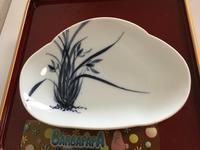 染付  花葉文 変形皿 - 大正から昭和の器