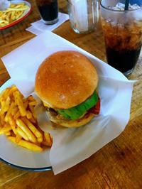 とにかくおいしい「LEATHER TRAMP KITCHEN」の本格ハンバーガー! - フクシマ發、
