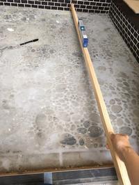 玄関にピンコロ石を敷く - サンタリーフ・・・リノベのレシピ