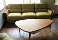 納品実例≪ソファ張替、スツール+リビングテーブル≫ - CLIA クリア家具合同会社