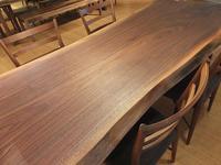 【ウォールナットの一枚板とウォールナットの木の家具展】 - ウォールナットの一枚板テーブルとウォールナットの無垢の家具 M's furniture