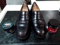 頑張った靴をしっかり黒く!② - 池袋西武5F靴磨き・シューリペア工房