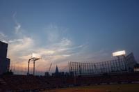 神宮球場の夕陽はキレイだな - もるとゆらじお