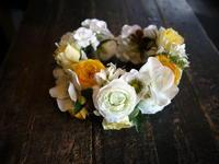 娘さんの3歳のお誕生日の写真撮影用に、アーティフィシャルフラワー(造花)の花冠とミニブーケ。帯広市に発送。 - 札幌 花屋 meLL flowers