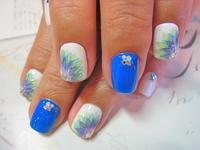 鮮やかなブルーが眩しいサマーネイル☆ - ネイルをしながら何がしたいですか?リラックスタイムをどうぞ。「ネイルブランチェス白金店」のブログ