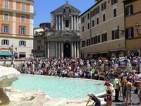 ローマの噴水で涼をとる (Roma) - エミリアからの便り