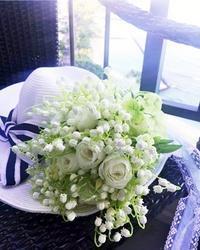 ハワイ挙式にスズランのアーティフィシャルフラワー♪ - お花に囲まれて