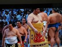 大相撲名古屋場所5日目 - グランマの戯れ