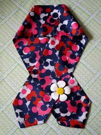 紺と赤のフラワー・パワーなスカーフ -  Der Liebling ~蚤の市フリークの雑貨手帖2冊目~