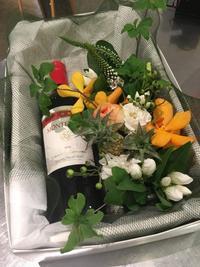 ワインアレンジメントのご紹介 - ~ Flower Shop D.STYLE ~ (新所沢パルコ・Let's館1F)
