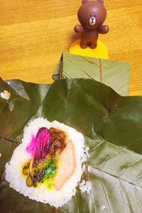 おばあちゃんの味 朴葉寿司 - いくつになってもカバン好き