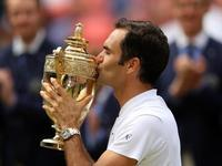 Federer gets record-breaking Wimbledon title - そろそろ笑顔かな