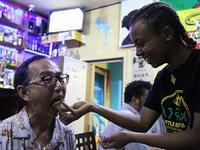エチオピアのインジェラ手食の会、Gurshaもできて大満足 - kimcafeのB級グルメ旅