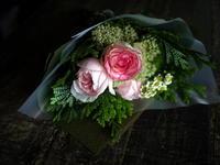退職される女性への花束。自衛隊札幌病院にお届け。2017/07/21。 - 札幌 花屋 meLL flowers