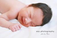 新生児微笑 - from自由が丘 ベビー・キッズ・マタニティ・家族の出張撮影、say photography