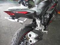 CBR250RRフェンレスキット - バイクの横輪