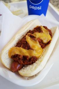 BENSON'Sのチリチーズドッグ(カリフォルニアチーズ) - ちゅらかじとがちまやぁ