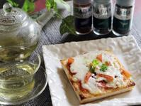 朝のおめざにホットピザトーストとレモングラスティ。 - スパイスと薬膳と。