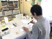 いつも笑顔が素敵な生徒さん♪ - 明石・神戸・姫路・加古川のカルトナージュ&タッセル教室 アトリエ・ペルシュ