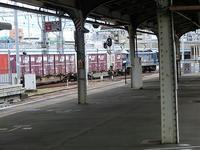 藤田八束の鉄道写真@山陽本線神戸駅で貨物列車を撮影・・・貨物列車桃太郎の暑い夏の日の思い出 - 藤田八束の日記