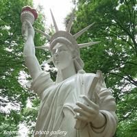 「自由な女神」芸術の散歩道 - こころ絵日記