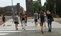 スレンダーガール(多し/オランダ - Nederlanden地位向上委員会