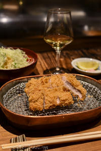 ゆったりとした空間で、ワインと頂く絶品とんかつコース:『かつ好』人形町 - IkukoDays
