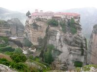 007、カリ城とギリシャのメテオラ修道院、映画『ユア・アイズ・オンリー』 - イタリア写真草子 - Fotoblog da Perugia