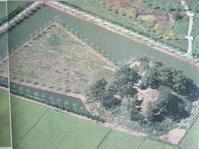 稲荷山古墳の築造は六世紀 - 地図を楽しむ・古代史の謎
