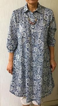 初秋まで着用出来る薄手木綿のワンピース生徒の作品 - アトリエ A.Y. 洋裁教室