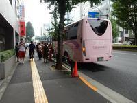 """まだ中国の夏休み中、ツアー客は来ています(ツアーバス路駐台数調査 2017年8月) - ニッポンのインバウンド""""参与観察""""日誌"""