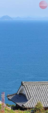 いぶし瓦のある瀬戸内海の美しい景色02(愛媛県伊予市) - 甍の波